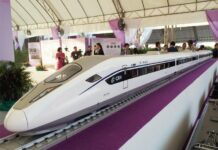 A model for a proposed high-speed rail train in July 2017. Photo: Prachachat