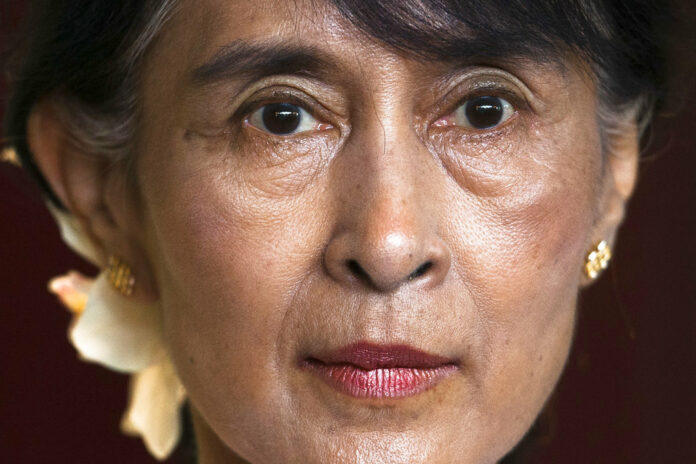 Myanmar opposition leader Aung San Suu Kyi briefs the media after a meeting with Norway Prime Minister Jens Stoltenberg at the Norway government guest house in 2012 in Oslo, Norway. Photo: Markus Schreiber / Associated Press
