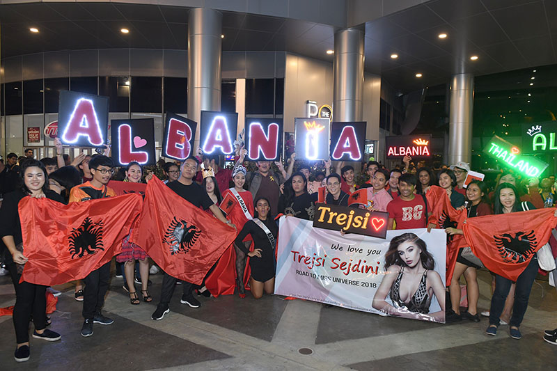 Thai fans of Trejsi Sejdini at the Miss Universe 2018 preliminary rounds on December 13.